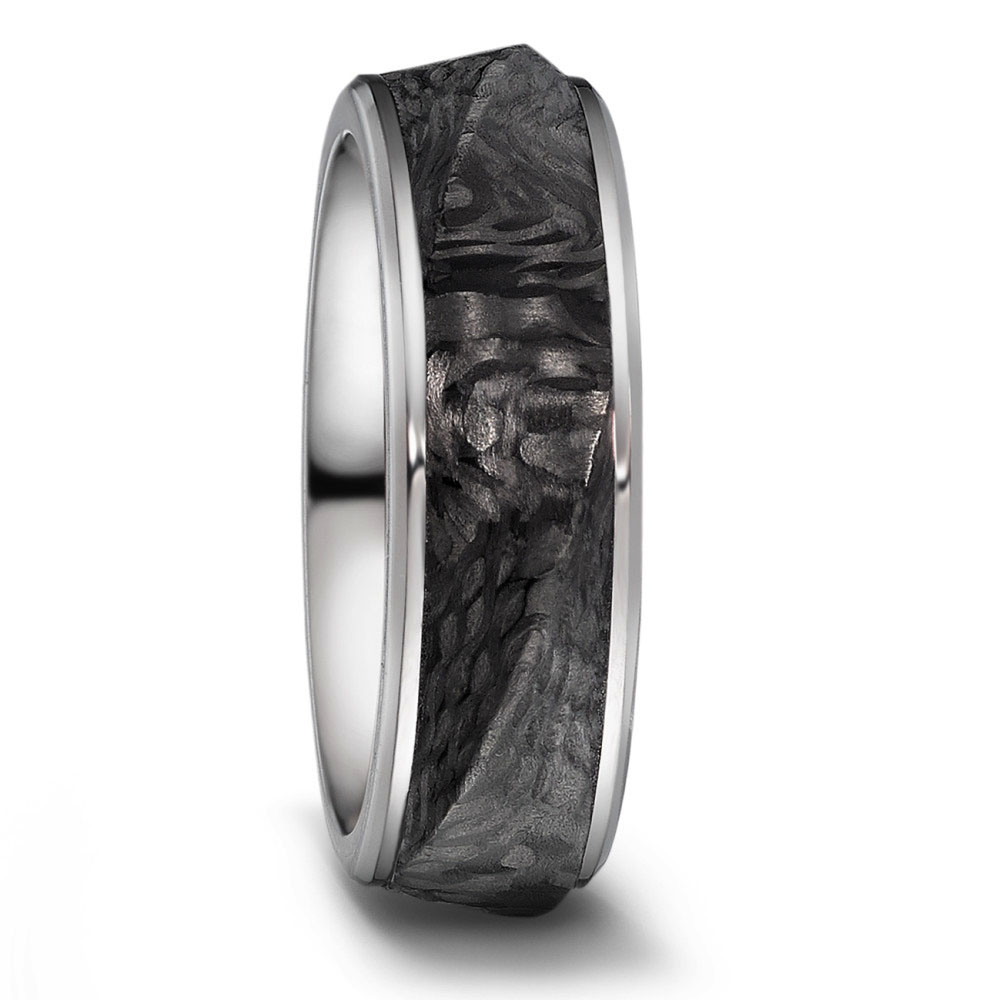 Außergewöhnliche Eheringe aus Carbon und Titan mit strukturierter Oberfläche 52460 copy