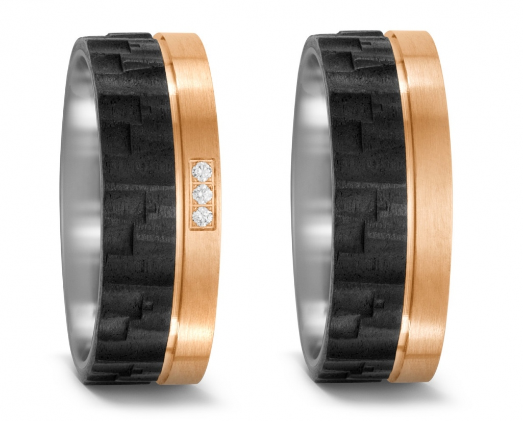 Partnerringe Eheringe aus Titan mit Carbon und Bronze von Hand strukturiert mit Diamant TitanFactory